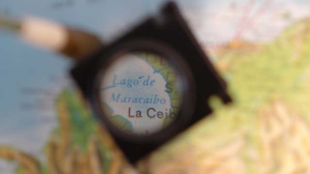 El Recordatorio / The Reminder Magnifier and map 1974